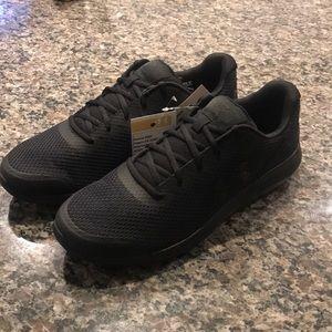 Men's UA sneakers